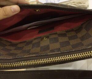 keep baby wipes in handbag