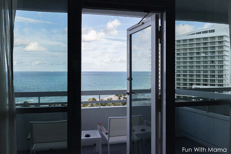 fontainebleau balcony view room