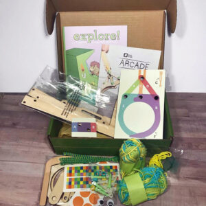 Kiwi Crate Review - December 2017 - A fun subscription box for kids that helps encourage creativity, STEM, art and more.