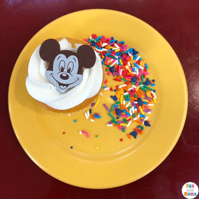 Chef Mickey Disney Character Breakfast Review + Tips